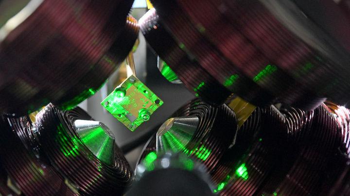 Сделать лазер одновременно достаточно мощным, быстрым и высокочастотным √ задача, которую до сих пор не удавалось решить.