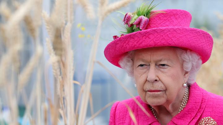 Елизавета II познакомилась с новорожденной дочерью Меган и Гарри
