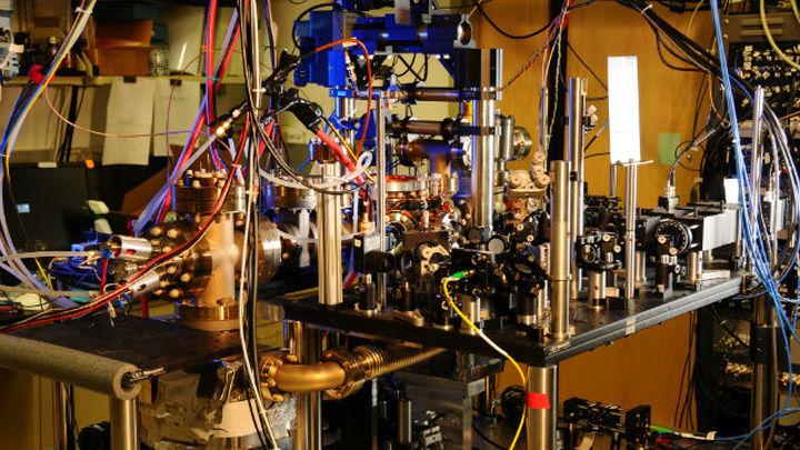 Иттербиевые атомные часы поставили рекорд стабильности