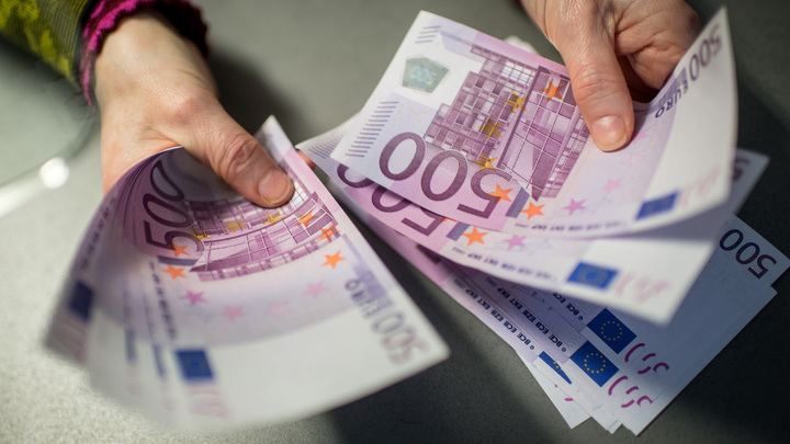 Евро поднялся выше 91 рубля