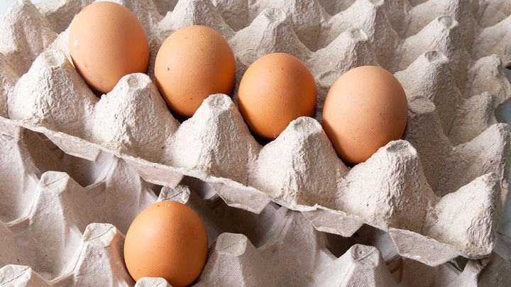 """""""Не простое, а золотое"""": власти Дона объяснили подорожание куриных яиц"""