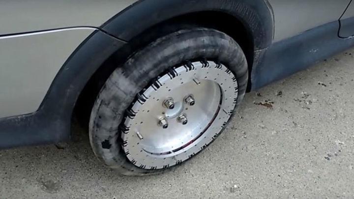 Новая концепция колеса подарит автомобилю особую манёвренность, которая пригодится, например, при параллельной парковке.