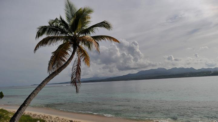 Судно с мертвецами прибило к берегам островного государства