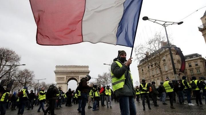 Правительство Франции заявило о четвертой волне коронавируса