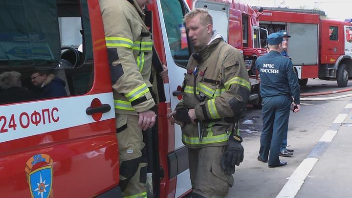 В Нижнем Новгороде полыхает общежитие, есть пострадавшие