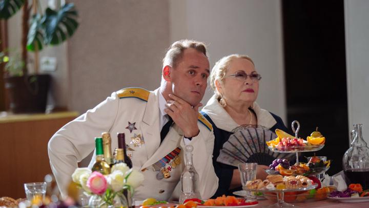 """Кадр из сериала """"Невеста комдива"""""""