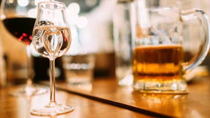 Вреднее героина: алкоголь могут признать наркотиком и выдавать только по рецептам