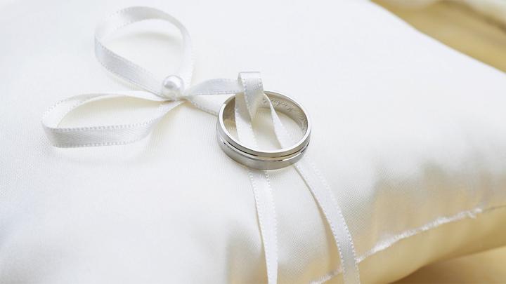 Россияне стали реже вступать в брак и меньше разводиться