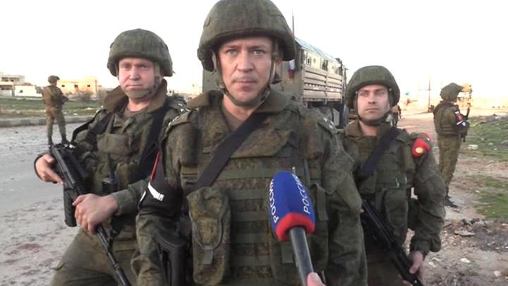 Военная полиция патрулирует отбитый у боевиков Серакиб: эксклюзивные кадры