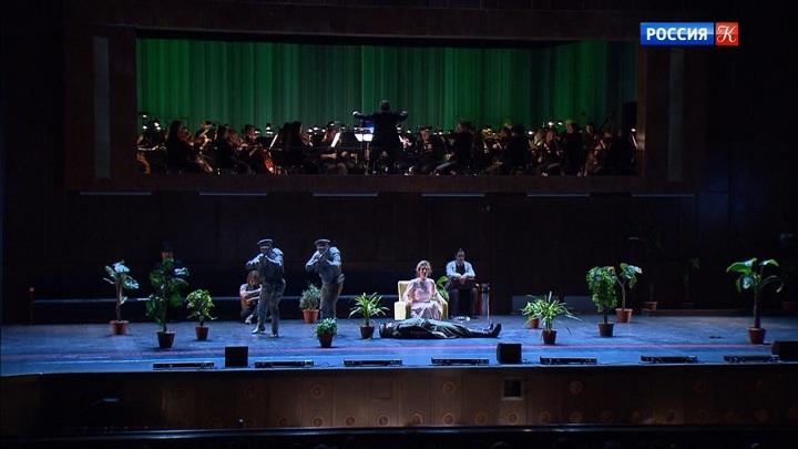 Екатеринбургский театр оперы и балета привёз в Москву оперу Петера Этвёша «Три сестры»