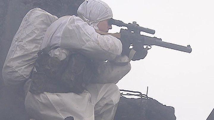 Военкомат Ленобласти предложил девушкам сдать бывших ухажеров в армию