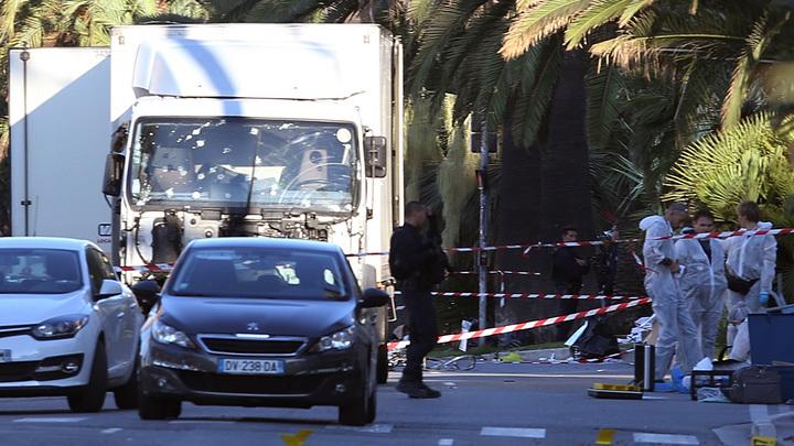Прокуратура изымает номера Paris Match с фотографиями прошлогодней трагедии в Ницце