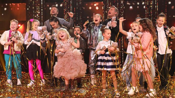 """Маленькие """"звездочки"""" зажигают стену: детский выпуск шоу """"Ну-ка, все вместе!"""""""