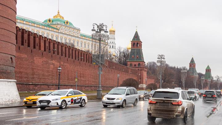 Москвичам предложили не рассчитывать на морозную зиму