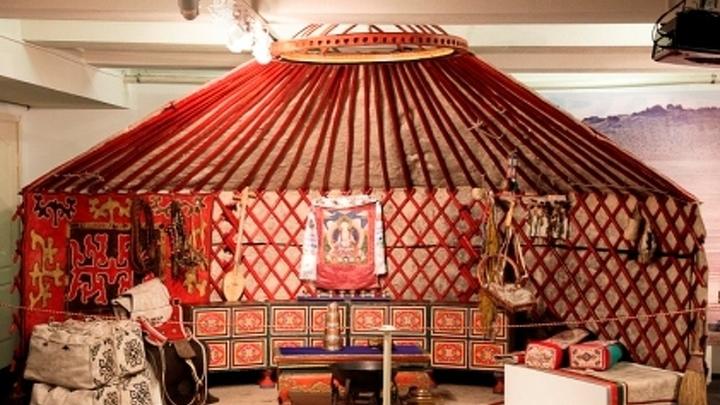 """Выставка """"Традиционная культура и быт тувинцев"""""""