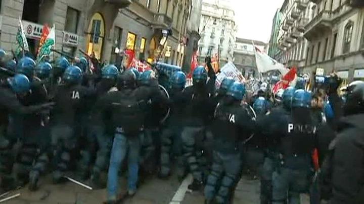 5 человек задержаны в Милане во время акции протеста против ковид-сертификатов
