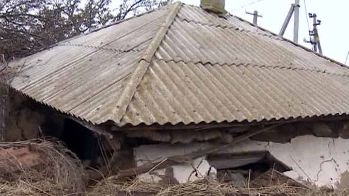 Стихия на юге России оставила без света 33 тысячи человек