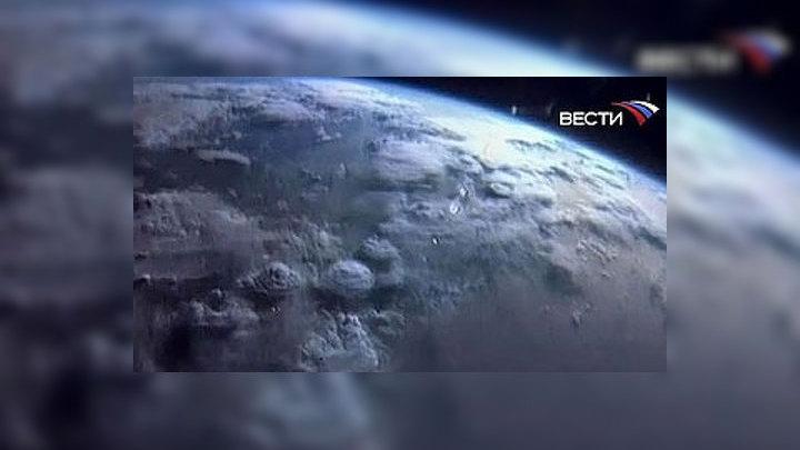 """Первые живые организмы на Земле появились через 200 миллионов лет после активной метеоритной """"бомбардировки"""""""