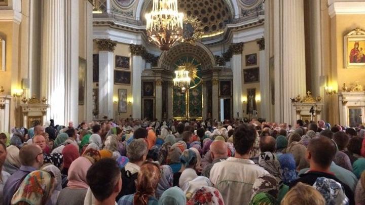 На крещенские богослужения пришли больше 100 тыс. москвичей