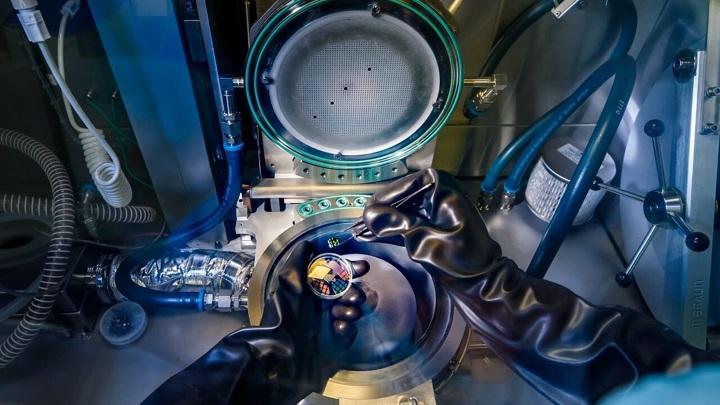 Физики получили материал, который может стать основой компьютеров будущего.