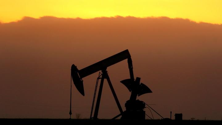 Нефть дешевеет на фоне пандемии и президентских выборов в США