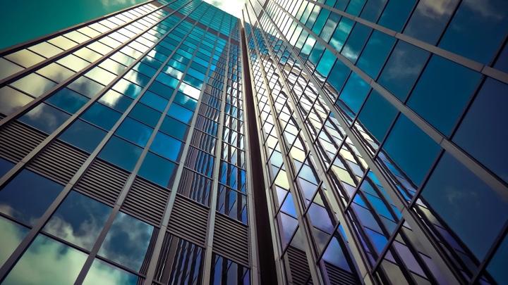 Новые солнечные батареи со временем могут заменить собой оконные стёкла в высотных зданиях.