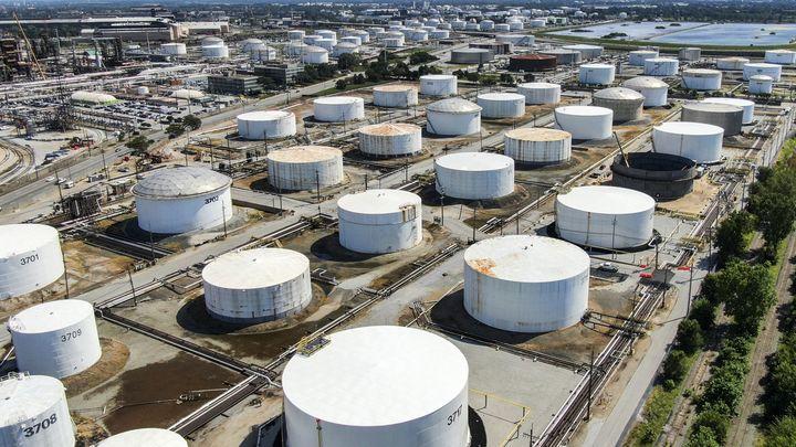 США вывезли из Сирии нефть и пшеницу