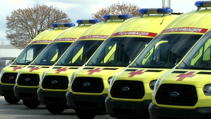 В Подмосковье автобус столкнулся с грейдером, пострадали три человека