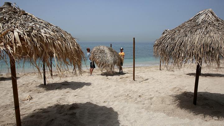 Власти Греции определили правила нахождения отдыхающих на пляжах