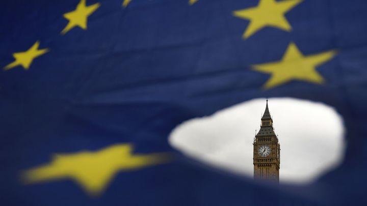 Британия отказалась от обещанного смягчения правил въезда