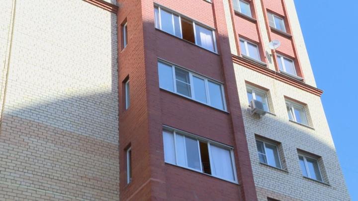 Маленькая девочка выпала из окна 15 этажа в Красногорске