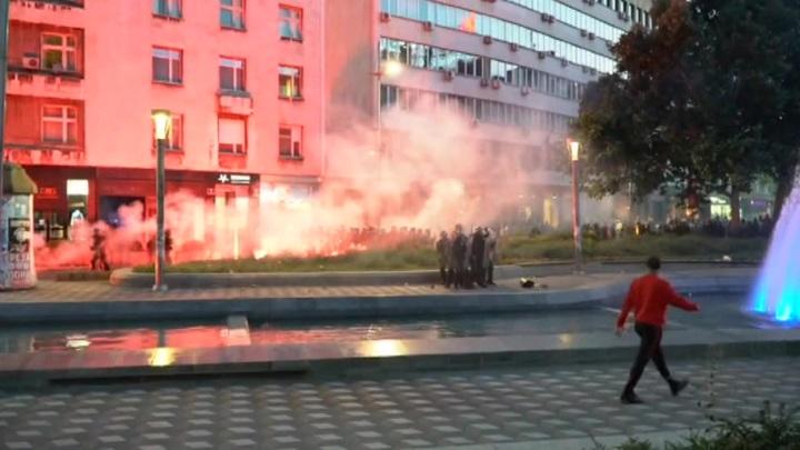 В Белграде продолжаются массовые беспорядки