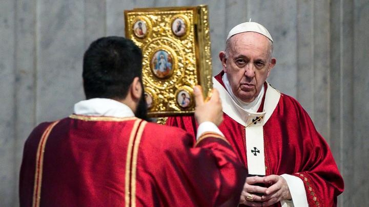 Папу Франциска прооперировали после проповеди