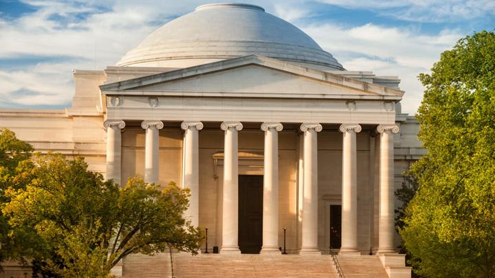 Национальная галерея США возобновила работу