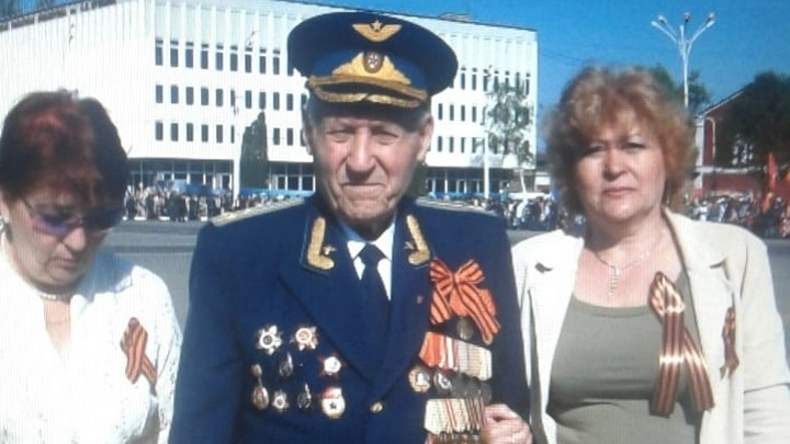 Александр Николаевич Боднар с дочерьми