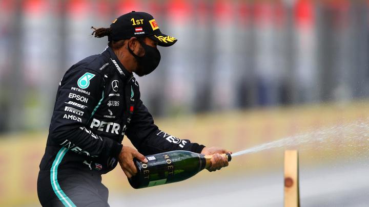 Хэмилтон одержал рекордную победу на Гран-при Португалии
