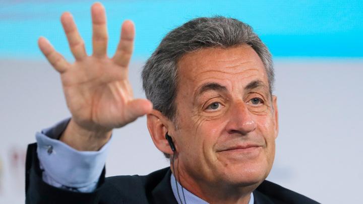 Как нельзя вести себя с Путиным и другие подробности от Саркози