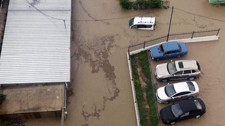 Ливни с градом: в Крыму местами выпало до 80% месячной нормы осадков