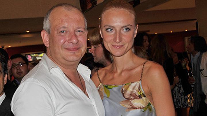 Вдова Марьянова обрела новую любовь, делит имущество и жалуется на угрозы