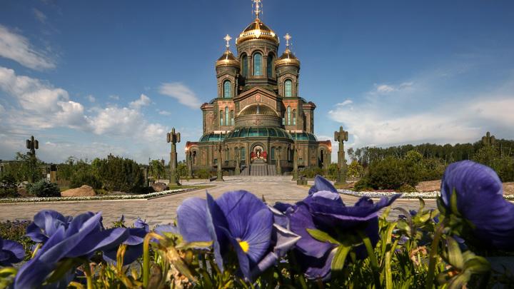 В Главном храме ВС отслужили молебен в честь годовщины Победы
