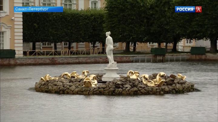 Верхний сад Петергофа закрылся на реставрацию