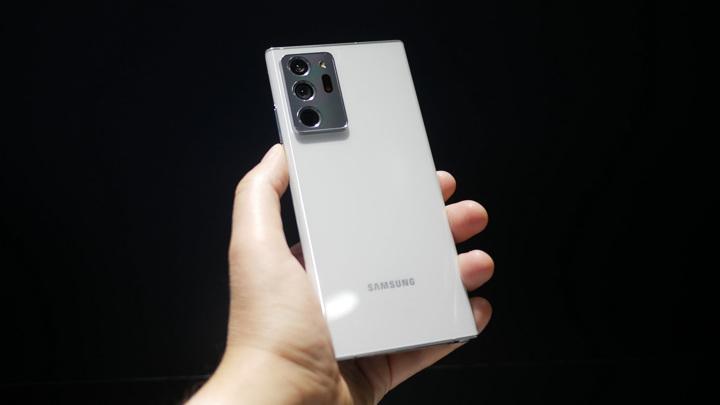 """Дефицит чипов может """"убить"""" Samsung Galaxy Note"""