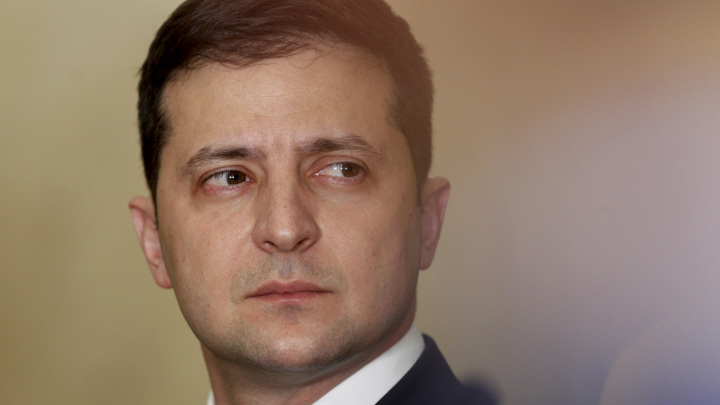 Зеленского призвали расторгнуть дипотношения с Россией