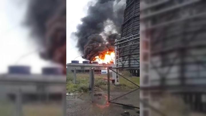 На Ачинском глинозёмном комбинате вспыхнул сильный пожар