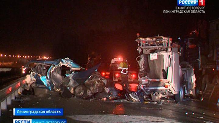 """Три человека погибли, двое пострадали в аварии на трассе """"Сортавала"""""""