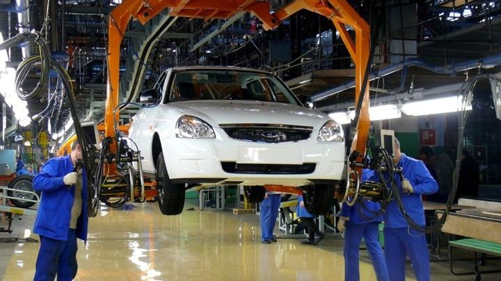 Росстат: российские автозаводы резко увеличили выпуск автомобилей