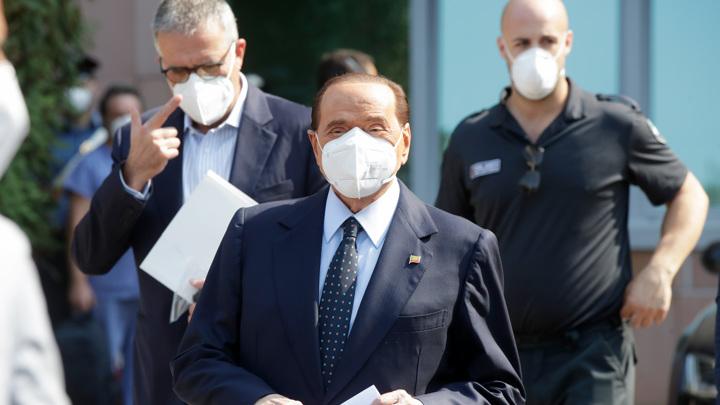 Берлускони выписали из миланской больницы