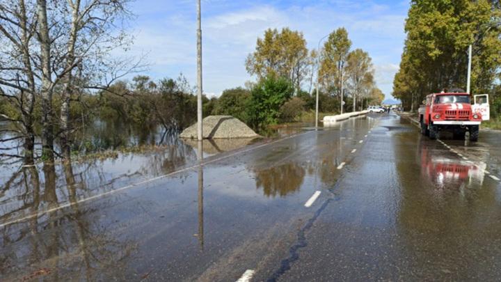 Штормовое предупреждение объявлено в Амурской области из-за ветра и дождей