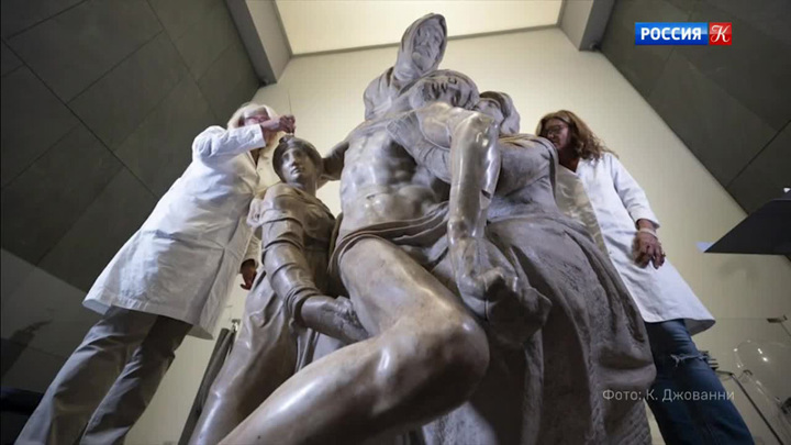 В Италии реставрируют знаменитую скульптуру Микеланджело