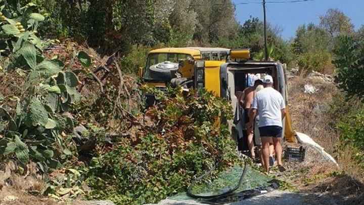 В Анталье перевернулся автобус с туристами из России: трое погибли